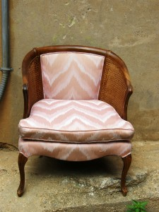 patio chair with pink cushions